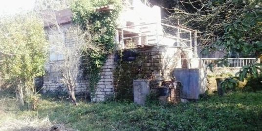 TERRACINA LOCALITA' LA FIORA CASALE DA RISTRUTTURARE CON MQ. 1.000 DI TERRENO EURO 43.000