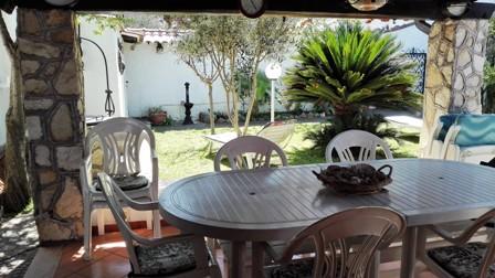 Terracina /San Felice Circeo in residence villino su 2 liv.    – vicino al mare stabilimento  balneare ampio giardino …euro 175.000 trattabili