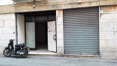 Terracina centro  locale mq. 60 con bagno doppio ingresso – doppia vetrina