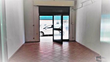 Terracina locale commerciale mq. 45  Nuovo+ bagno + aria condizionata