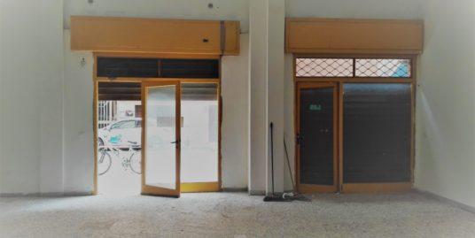 Terracina zona quinta traversa Locale commerciale mq. 70 EURO 550,00 MENSILI