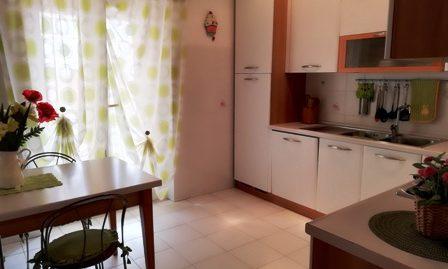 Borgo Hermada zona centrale proponiamo RIFINITISSIMA villa a schiera angolare con ampi spazi esterni
