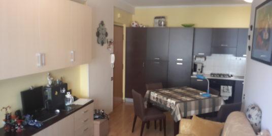 Terracina proponiamo mini appartamento in condominio con cancello automatico euro 125.000 trattabili