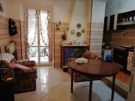 Terracina centralissimo Appartamento mq. 130 al piano primo senza condominio + giardino :